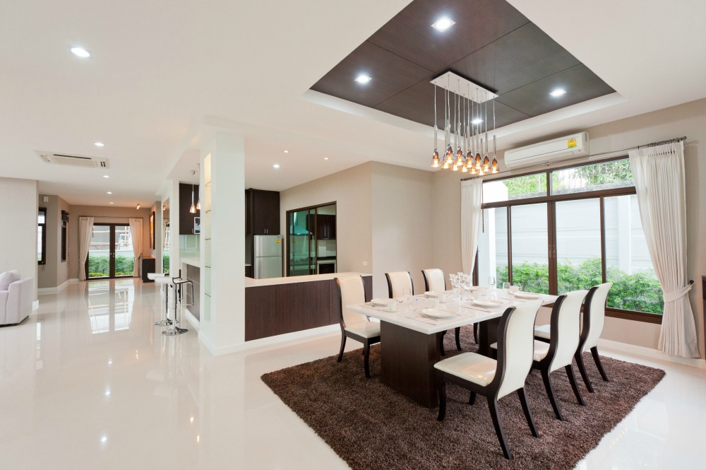 Modern Dining Room Staging and Design